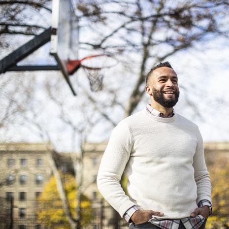 Doug Ammon smiling and standing outside in Philadelphia