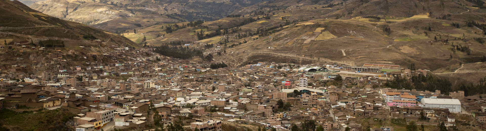 The landscape of a Peruvian city.